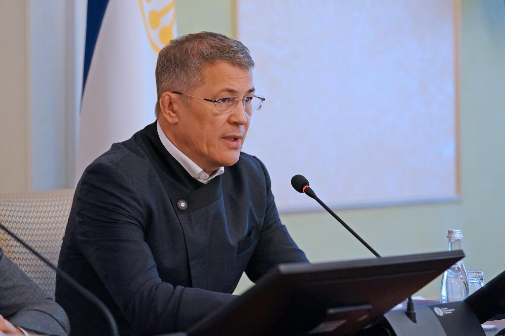 Радий Хабиров призвал членов правительства быть разумными и адекватными