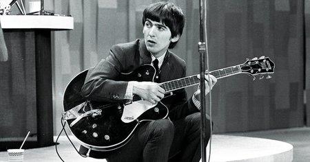 Гитару Джорджа Харрисона выставили нааукцион в Британии за518 тыс. долларов