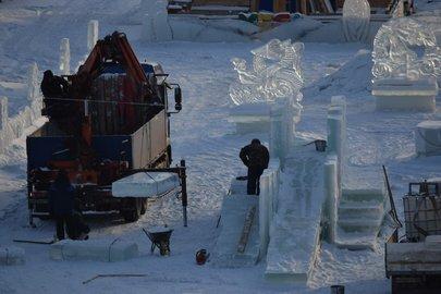 ВУфе сносят ледовые городки