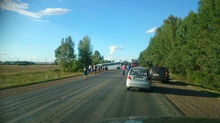 ВБашкирии инспекторы ГИБДД помогли вытянуть изкювета автобус сжителями Оренбурга