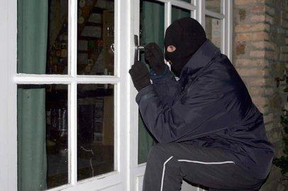 Квартиры 2-х жительниц Уфы обокрали, пока они были дома