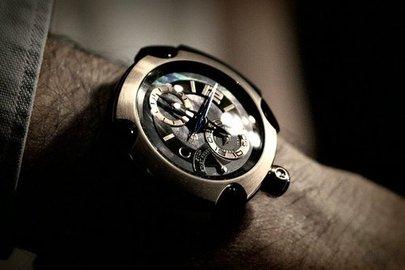 Аферист изУфы реализовал сибиряку несуществующие золотые часы за100 тыс. руб.