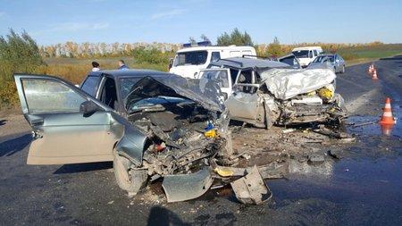 ВБашкирии шесть человек пострадали вавтокатастрофе. есть жертвы