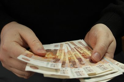 Босс компании похитил уклиентов неменее млн руб.
