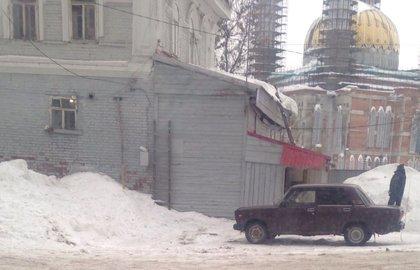 Гражданин Уфы упал скрыши собственного дома