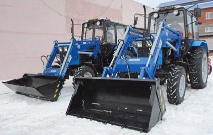 Мэрия Уфы купила снегоуборочные тракторы для расчистки городских дворов