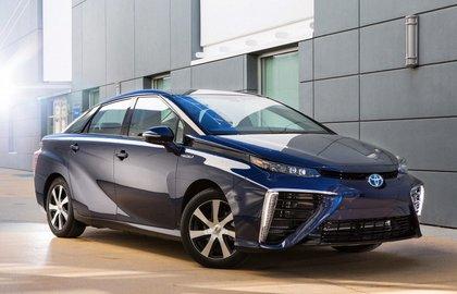 Toyota Mirai признан самым экологичным автомобилем 2016 года