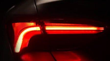 Тойота показала заднюю оптику седана Avalon обновленного поколения