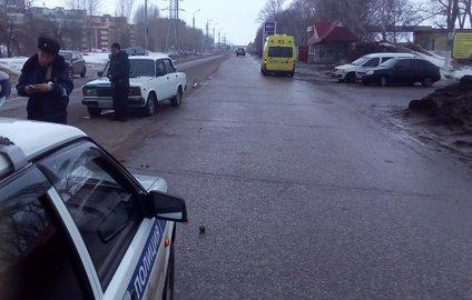 ВБашкирии автомобиль сбил ребенка иженщину одновременно