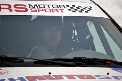 Вчемпионате Российской Федерации позимним трековым гонкам выступает автогонщик изБашкирии