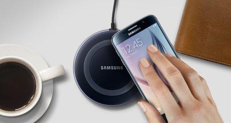 Новая беспроводная зарядка Samsung сможет зарядить сразу два устройства одновременно