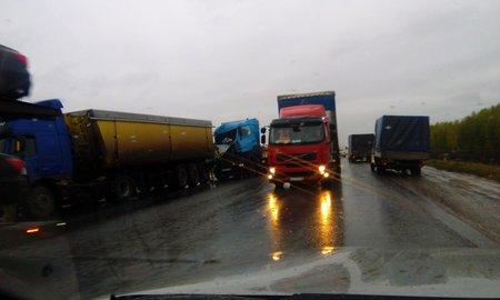ВБашкирии произошла авария стремя фурами