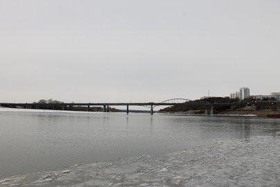ВУфе трехмесячный ребенок стал участников зимнего заплыва
