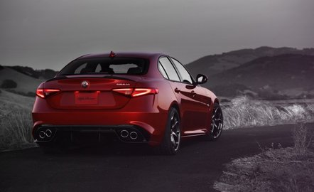 Alfa Romeo Giulia может получить 350-сильный мотор class=